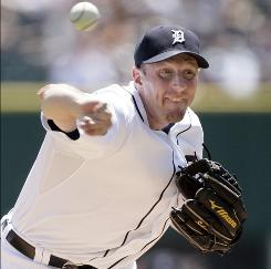 Detroit pitcher Max Scherzer delivers a pitch during the second inning against Oakland.