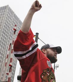 Chicago Blackhawks goalie Antti Niemi, who won a Stanley Cup while earning $827,000, has filed for salary arbitration.
