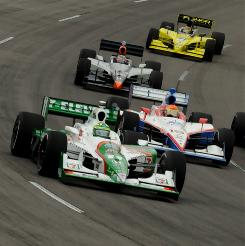 Tony Kanaan, left, says Andretti Autosport is closing in on Chip Ganassi Racing and Penske Racing.