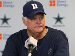 The Cowboys extended the contract of coach Wade Phillips after the 2009 season.