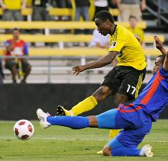 Emmanuel Ekpo (17) scores the lone goal in the Columbus Crew's 1-0 victory in the CONCACAF Champions League first round.