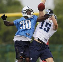 CB Jason McCourty, left, is part of a core of young players assuming new roles on the Titans defense.