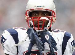 Randy Moss and the Patriots visit their AFC East rivals, the New York Jets, on Sunday.