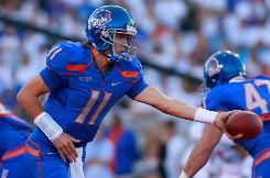 Boise State quarterback Kellen Moore was 19 of 27 for 288 yards and three touchdowns as the Broncos dispatched visiting Oregon State.