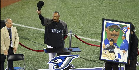 Blue Jays manager Cito Gaston acknowledges the crowd during a ceremony before his last home game in Toronto, Wednesday night against the New York Yankees. Gaston is retiring at the end of the season.