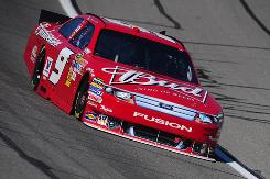 Kasey Kahne turned in a top seed of 174.644 mph during Price Chopper 400 qualifying at Kansas Speedway.