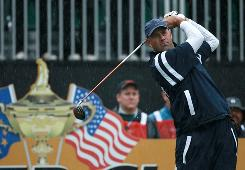 On a day when rain plagued the Ryder Cup, and leaky rain suits plagued the American team, Stewart Cink managed to shine for the USA on Friday at Celtic Manor in Wales.
