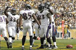 The Ravens dropped the Steelers from the ranks of the unbeaten with a 17-14 win in Pittsburgh on Sunday.