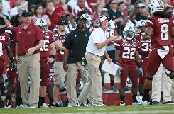 Steve Spurrier and South Carolina lead the SEC East Division after last week's upset of then-No. 1 Alabama. The coach hopes to avoid a letdown Saturday against Kentucky.