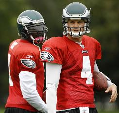 Kevin Kolb, right, is scheduled to start his third straight games for the Eagles this week.