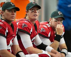 QB Matt Ryan, center, has the Falcons off to a 6-2 start this season.