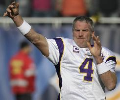 Brett Favre and the Vikings fell to 3-6 on Sunday.
