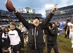 Raiders coach Tom Cable has the team in first place in November for the first time since 2002.