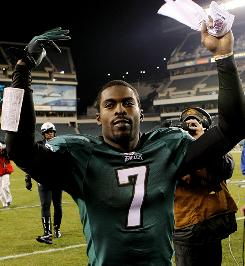 Michael Vick and the Eagles claimed sole possession of first place in the NFC East with a win against the Giants on Sunday.