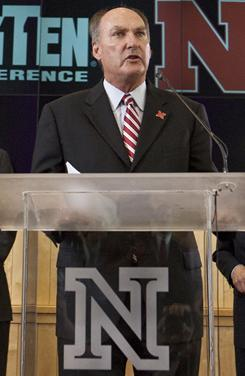 """If the FBI is involved, """"The NCAA's job becomes a lot easier,"""" Big Ten Commissioner Jim Delany says."""