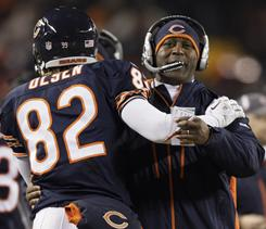 Lovie Smith and the Bears lead the NFC North with an 8-3 record.