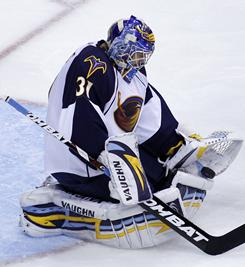 Thrashers goalie Ondrej Pavelec makes one of his 45 saves that propelled Atlanta to a 3-1 win over the Washington Capitals, Atlanta's seventh win in eight games.