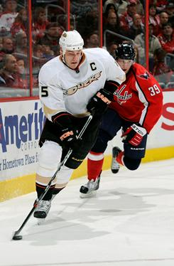 Ryan Getzlaf (15) of the Ducks brings the puck up the ice against the Capitals at the Verizon Center on Wednesday in Washington, DC.