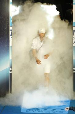 Andy Roddick, emerging from the smoke as the World Tour Finals in London last month, is using his brief offseason break to recover and get healthy.