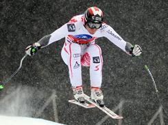Austria's Michael Walchhofer won the World Cup super-g race in Val Gardena, Italy, Friday and now leads the overall standings.