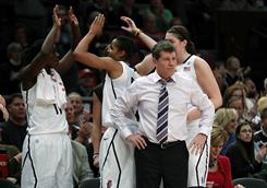 Geno Auriemma and the Connecticut Huskies will go for an historic 89th consecutive win Tuesday night against Florida State.