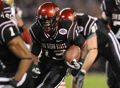 San Diego State running back Ronnie Hillman slices for a 22-yard touchdown in the first quarter of the Poinsettia Bowl.