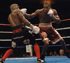 Demetrius Andrade, right, beat previously undefeated Chris Chatman on Oct. 3, 2009, in Lincoln, R.I., to improve to 8-0. He has won three fights since then.
