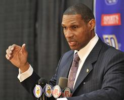 The Vikings made Leslie Frazier their full-time head coach on Monday.