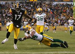 Mike Wallace and the Steelers defeated the Packers when the teams last played in December 2009.