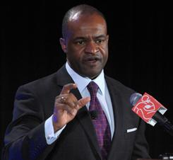 NFL Players Association chief DeMaurice Smith and his union could encourage draft prospects to skip the NFL combine, according to the AP.