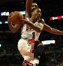 Derrick Rose heard MVP chants on his way to scoring a career-high 42 points against the Spurs.