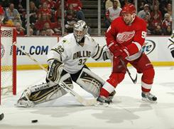 Kari Lehtonen held the Red Wings to only one goal as his 38 saves paved the way for the Stars to upset the Red Wings in Detroit.