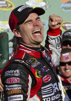 Jeff Gordon celebrates his win in the Subway Fresh Fit 500 Sunday at Phoenix International Raceway.