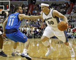 Mike Bibby, right, will be looking for a new team, preferably one headed to the postseason, once his buyout from the Wizards becomes official.
