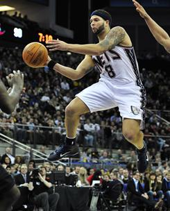 Deron Williams had 21 points and 18 assists to help the Nets sweep the NBA's first two regular-season games in Europe.