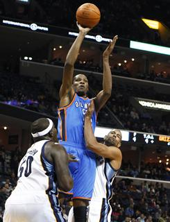 Zach Randolph, left, and Shane Battier helped to hold Kevin Durant to 23 points as the Grizzlies stayed hot at home against the Thunder.