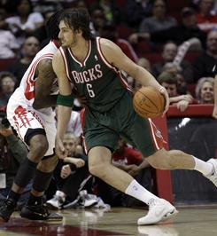 """Milwaukee Bucks center Andrew Bogut estimates he's had """"five to 10"""" concussions in his pro career, including three after breaking his nose three different tiimes."""