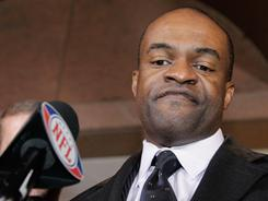 NFL Players Association executive director DeMaurice Smith hasa been negotiating with league owners since last week.