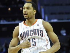 Gerald Henderson scored 16 points, including the team's last seven, in the Bobcats surprising 87-86 win over the Bucks on Monday night.