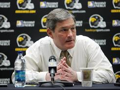 Iowa football coach Kirk Ferentz has said that all 13 players that were hospitalized with rhabdomyolysis have been medically cleared to play.