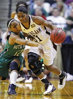 Notre Dame guard Fraderica Miller, left, defends Texas A&amp;M's Sydney Colson on Tuesday night in Indianapolis.