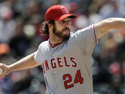 Angels starter Dan Haren moved to 4-0 after defeating the White Sox.