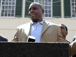 Carl Lewis is attempting to run for the New Jersey state senate as a Democrat.