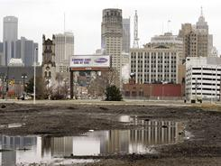 The new national census figures show that Detroit has lost 25% of its population in the last ten years, bringing the city's population down to its lowest since 1910.