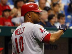 Vernon Wells uses his baserunning skills to help the Angels. 