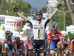 Mark Cavendish of Britain crosses the finish line to finish first in the 10th stage of Giro D'Italia on May 16.