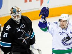 Sharks goalie Antti Niemi gave up four goals on 13 shots in Sunday's loss.