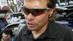 Viatcheslav Ekimov came to the defense of former teammate Lance Armstrong Monday, denying that the Tour de France champion took part in systematic doping.