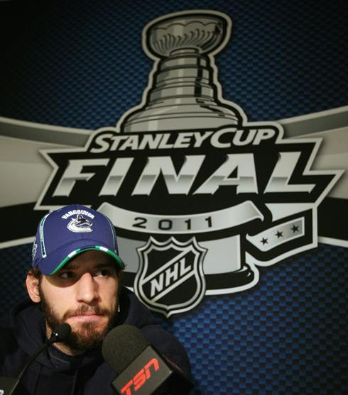 http://i.usatoday.net/sports/_photos/2011/05/31/canucksx-large.jpg