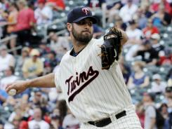 Twins starter Nick Blackburn tossed eight shutout innings against the White Sox.